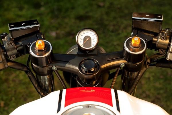 Cafe-Racer Gabelbrücke 3D-CNC gefräst Yamaha XJR1300